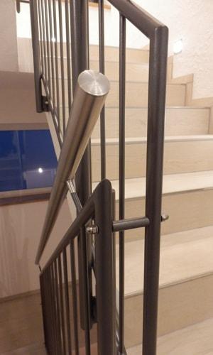 mb baumgartner treppengelaender var3 2 - Metall ist ein kreativer Werkstoff
